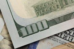 Os E.U. cem elementos do dólar, macro super, fecham-se acima da foto imagens de stock royalty free
