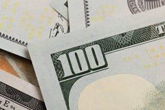 Os E.U. cem elementos do dólar, macro super, fecham-se acima da foto foto de stock