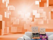 Os empregados parvos com braços dobraram caixas vestindo em suas cabeças Imagem de Stock