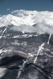 OS:en skidar semesterorten, Krasnaya Polyana, Sochi, Ryssland Royaltyfri Fotografi