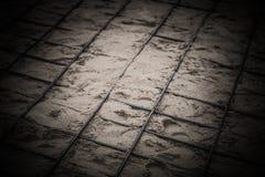 Os encaixes do metal colocados na areia Preparação para o concreto de derramamento Foco da sele??o Profundidade de campo rasa ton fotografia de stock
