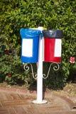 Os escaninhos coloridos diferentes para a coleção de reciclam materiais Imagens de Stock Royalty Free