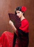 Os espanhóis aciganados da rosa do vermelho da mulher do dançarino do Flamenco ventilam Fotografia de Stock Royalty Free