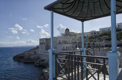Os estabelecimentos térmicos de Santa Cesarea Terme fotos de stock