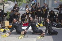 Os estudantes de Porto, Portugal cantam em Zagreb, Croácia Fotos de Stock Royalty Free