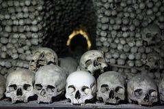 Os et crânes humains dans l'ossuaire de Sedlec près de Kutna Hora Photos stock