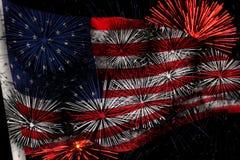 Os EUA embandeiram com fogos-de-artifício Imagem de Stock