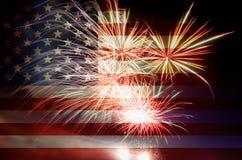 Os EUA embandeiram com fogos-de-artifício Foto de Stock