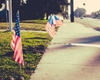 Os EUA embandeiram no gramado imagens de stock royalty free