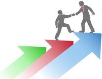 Os executivos da ajuda team acima o sucesso Imagens de Stock