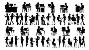 Os executivos mostram em silhueta vetor ajustado Homem, mulher Reunião urbana uma comunicação dos amigos Fileira do corpo Fala ju ilustração stock