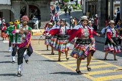 Os executores no primeiro de maio desfilam em Cusco no Peru Fotos de Stock Royalty Free
