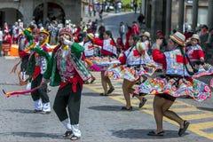 Os executores no primeiro de maio desfilam em Cusco no Peru Imagem de Stock Royalty Free