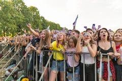 Os fãs apreciam Molly ordinário vivo Festival do fim de semana do atlas, Kiev, Ucrânia Fotos de Stock Royalty Free