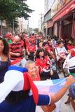 Os fãs chilenos comemoram a vitória sobre a Espanha Fotografia de Stock Royalty Free