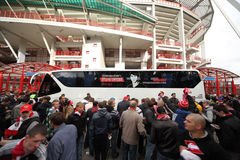 Os fãs vão fora após o fósforo de adeus Fotografia de Stock Royalty Free