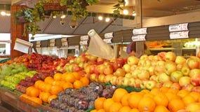 Os fazendeiros introduzem no mercado em Los Angeles fotografia de stock
