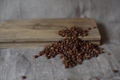 Os feijões de café roasted Fotos de Stock Royalty Free