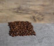 Os feijões de café roasted Fotografia de Stock Royalty Free
