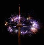 Os fogos-de-artifício da tevê elevam-se em Vilnius, Lituânia Foto de Stock Royalty Free