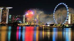 Os fogos-de-artifício indicam durante a parada do dia nacional Fotografia de Stock