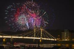 Os fogos-de-artifício indicam em Londres, Reino Unido Imagem de Stock Royalty Free
