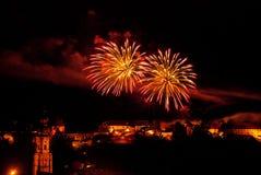 Os fogos-de-artifício indicam sobre o castelo de Burghausen Foto de Stock Royalty Free