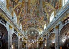 Os fresco impressionantes do teto e dourado para alterar-se da igreja da S?o Nicolau fotos de stock royalty free