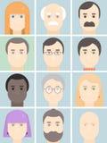 Os homens e os avatars lisos das mulheres ajustaram-se com caras logotipo dos retratos dos povos e coleção dos ícones Ilustração  imagem de stock
