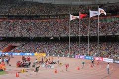 Os homens 400 medem obstáculos em campeonatos mundiais de IAAF no Pequim, China Imagem de Stock