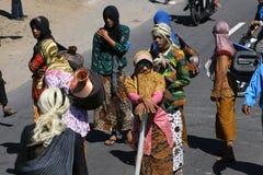 Os homens vestiram mulheres Fotografia de Stock Royalty Free