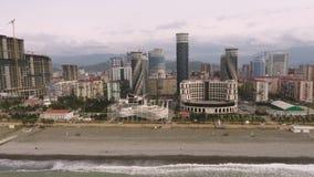 Os hotéis modernos da elite em Batumi, situado no litoral do Mar Negro, viajam a Geórgia filme