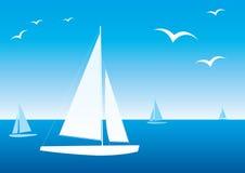 Os iate brancos estão em uma obscuridade - mar azul ilustração do vetor