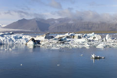 Os iceberg do ³ n do rlà do ¡ de JökulsÃ, a lagoa da geleira, Islândia Imagens de Stock Royalty Free