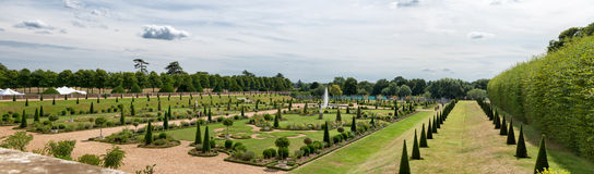 Os jardins ao corrente dos famouns em Hampton Court Palace Imagem de Stock Royalty Free