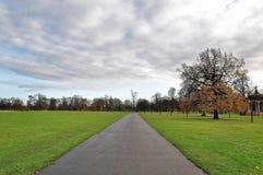 Os jardins de Kensington e o Hyde Park, Londres, Reino Unido Fotos de Stock