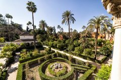 Os jardins do Alcazar real Sevilha, Spain imagens de stock royalty free