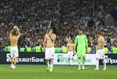 Os jogadores de Kyiv do dínamo de FC agradecem a ventiladores para a sustentação fotografia de stock