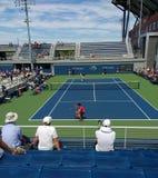 Os jogadores de tênis Nicolas Mahut e cortejam logo Kwon, 2017 US Open, NYC, NY, EUA foto de stock royalty free