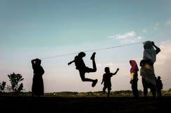 Os jogos Indonésia das crianças tradicionais fotografia de stock royalty free