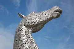 Os Kelpies, esculturas das cabeças de cavalo na hélice estacionam perto de Falkirk Imagens de Stock