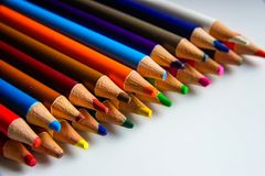 Os lápis da cor isolados no fundo branco Fotografia de Stock Royalty Free