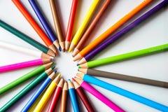 Os lápis da cor isolados no fundo branco Foto de Stock
