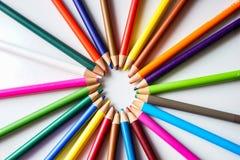 Os lápis da cor isolados no fundo branco Fotos de Stock