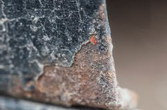 Os lugares fracos dos carros sujeitam à corrosão e à oxidação foto de stock