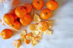 Os mandarino na tela branca! Imagens de Stock