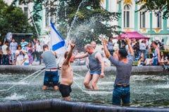 Os marinheiros do russo comemoram o dia da marinha de Rússia Imagem de Stock