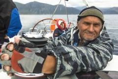 Os marinheiros participam na regata 11o Ellada 2014 da navigação Imagem de Stock