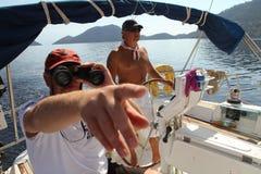 Os marinheiros participam no regatta da navigação em Turquia Imagens de Stock