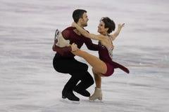 Os medalheiros de bronze Meagan Duhamel e Eric Radford de Canadá executam nos pares que patinam livre patinando nos 2018 Olympics fotografia de stock royalty free
